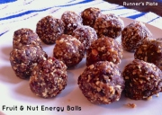 Fruit & nut energy balls